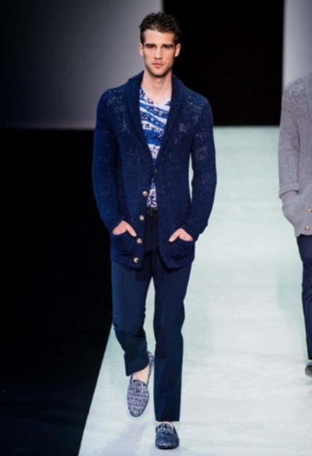 cardigan-blu-e-slippers