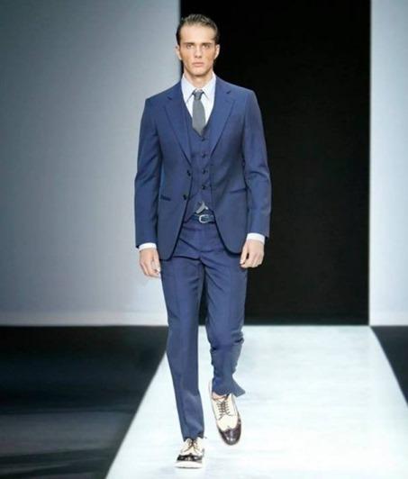 completo-azzurro-elegante