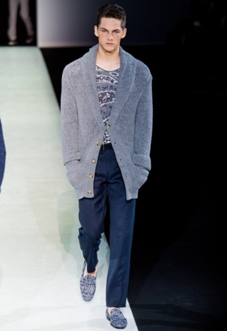 maglia-fantasia-e-cardigan-grigio