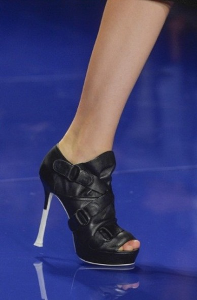 ankle-boot-vera-wang