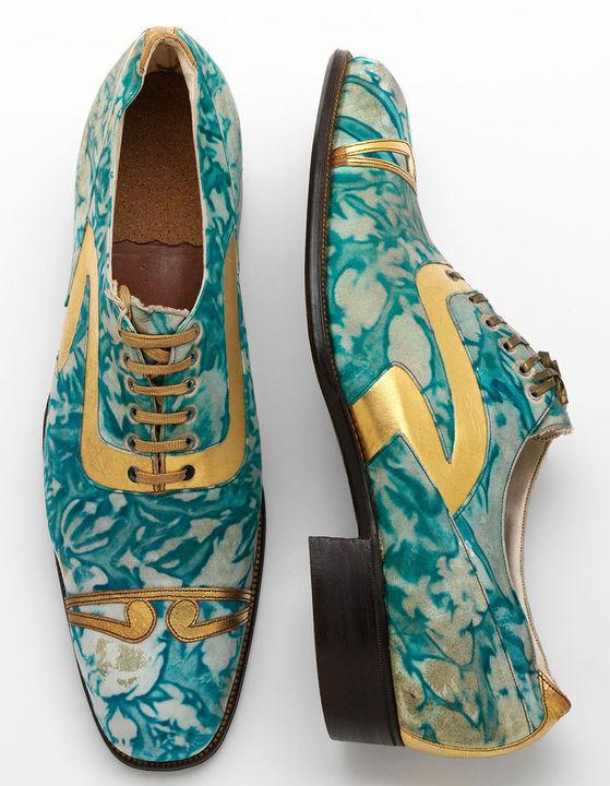 Zapatos de hombre en piel dorada y efecto mármol, Norhamptonshire, 1925.