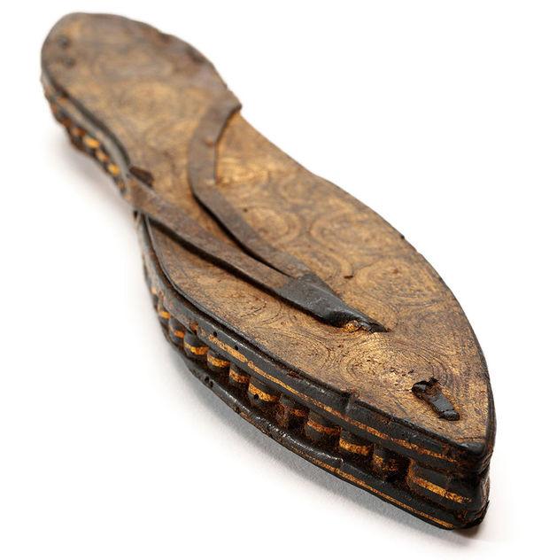 Sandalia elaborada en papiro, Egipto (entre 30 y 300 años a.C.).