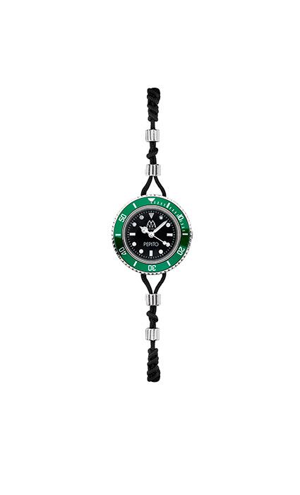 Marca Mavilla convierte tu muñeca en el nuevo objeto de deseo con un original diseño. Se trata de una joya con dos caras: un reloj que esconde una pulsera o viceversa.
