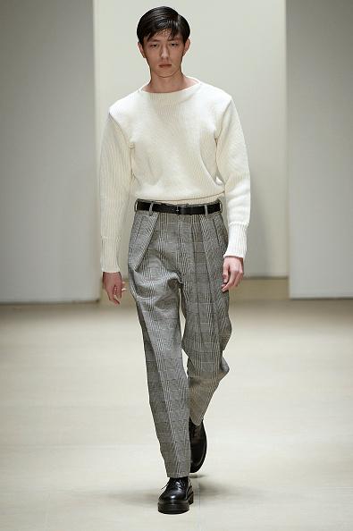 Jil Sander: Los pantalones pinzados siguen y seguirán, con más fuerza.