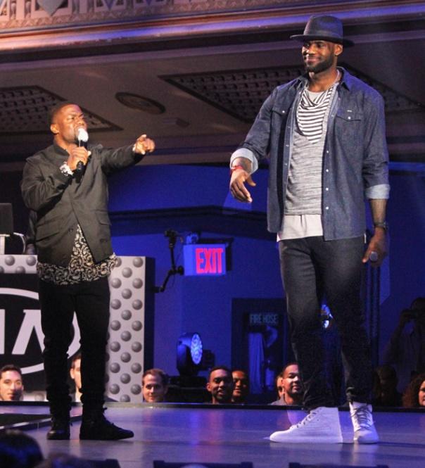 El actor y cómico Kevin Hart y LeBron James, alma máter del primer desfile de la NBA de la historia.