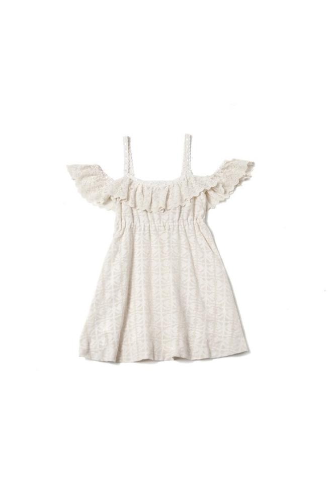 Vestido jacquard de Highly Preppy para esta primavera que deja los hombros al aire