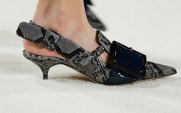 miu-miu-pumps-color-gris