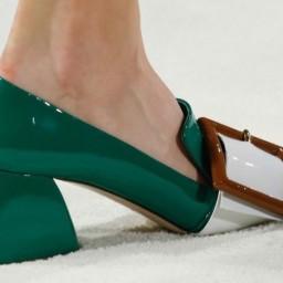 pumps-combinados-verde-botella-miu-miu