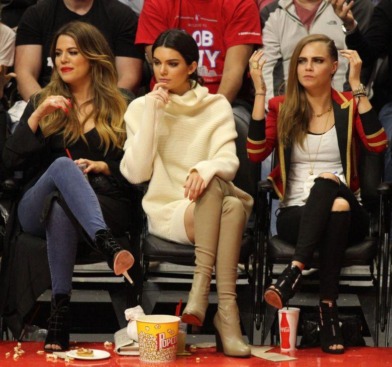 cara-delevingne-kendall-jenner-and-khloe-kardashian-at-a-lakers-game-in-los-angeles-jan.-2015_1