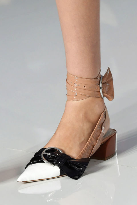 hbz-ss2016-trends-shoes-low-heel-future-dior-clp-rs16-1674