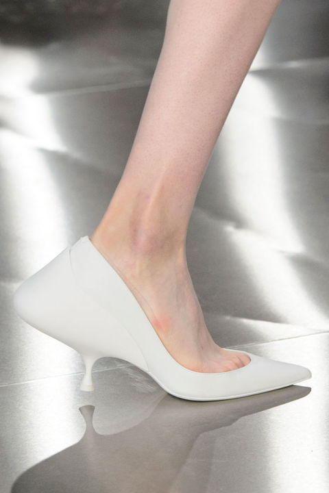 hbz-ss2016-trends-shoes-low-heel-future-margiela-clp-rs16-7345
