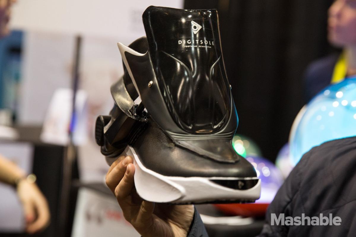 self-heating-smart-sneaker-01